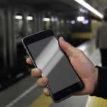 Apple-direktør: – iPhone er utmerket å lese bøker på